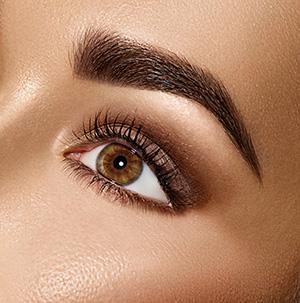 prirodzený štýl líčenia - detail oka