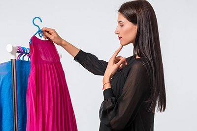 výber farby odevu - váhanie
